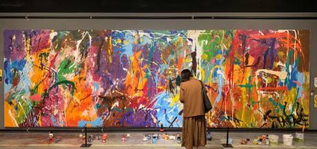 """Un couple vandalise """"par erreur"""" une œuvre à 440.000 dollars en Corée du Sud"""