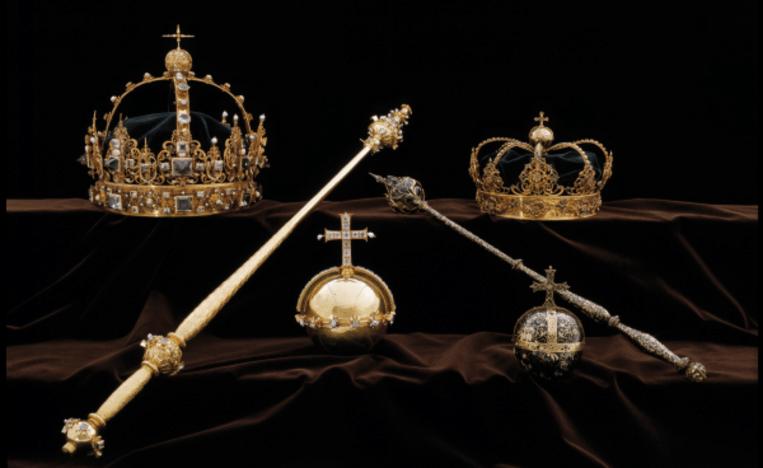 De begrafenisregalia van de Zweedse koning Karel IX werden deze week uit een kathedraal ontvreemd. Beeld Politie Zweden