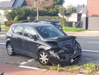 Eén gewonde bij kop-staartaanrijding op Steenweg op Aalst