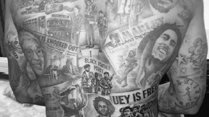 Bob Marley, Martin Luther King, Nelson Mandela... Herkent u ze allemaal op de rug van deze Watford-spits?