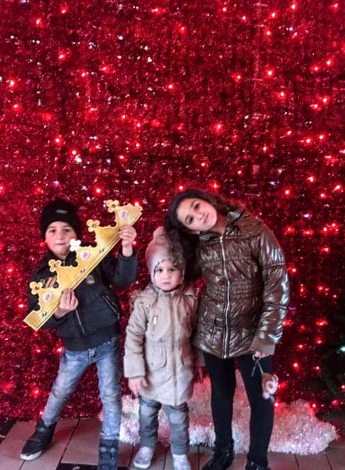 Shushan (8), Vrej (5) en Jemma (3) toen ze nog in Nederland waren.