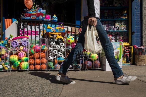 Open Vld legt een compromisvoorstel op tafel om de patstelling over het afvalplan van minister Schauvliege te doorbreken. Bart Tommelein is nu toch bereid tot een verbod op gratis plastic zakjes.