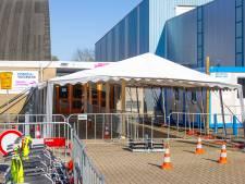 Vaccineren in IJsselhallen in Zwolle morgen weer van start: 'Constructie wordt versterkt'