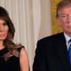 Dít is de officiële kerstfoto van Donald en Melania Trump