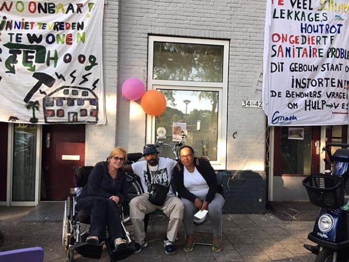Schimmel in woningen aan Stuwstraat en Trekweg. Buurt voert actie.