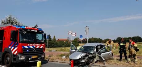 Ravage door aanrijding met verkeerslicht bij Oeffelt