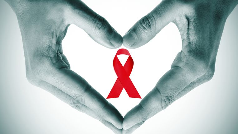 Chems anaal inbrengen tast je darmslijmvlies aan, waardoor hepatitis C makkelijker.