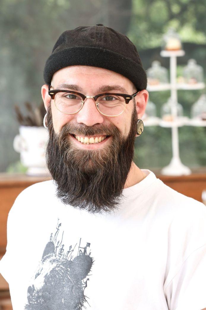 Florian a été éliminé du concours de pâtisserie lundi soir.