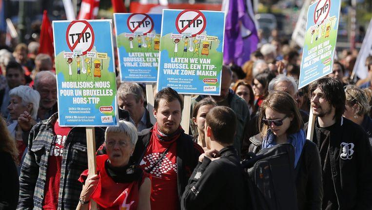 Protest tegen het Transatlantic Trade and Investment Partnership (TTIP), afgelopen voorjaar in Brussel. Beeld EPA