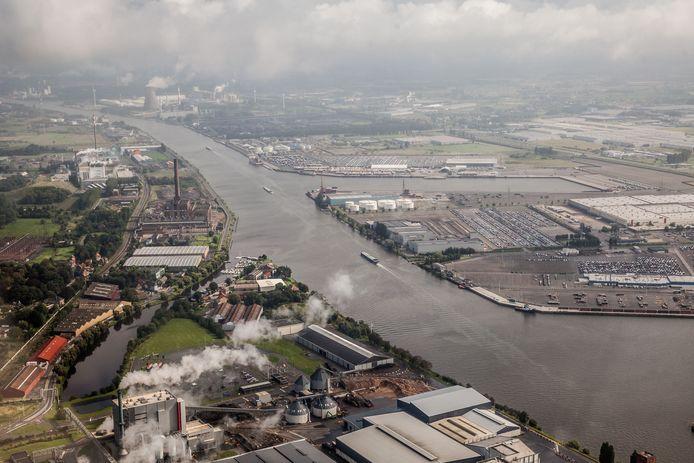 Beeld ter illustratie. De wolk is gezien boven de Gentse haven.