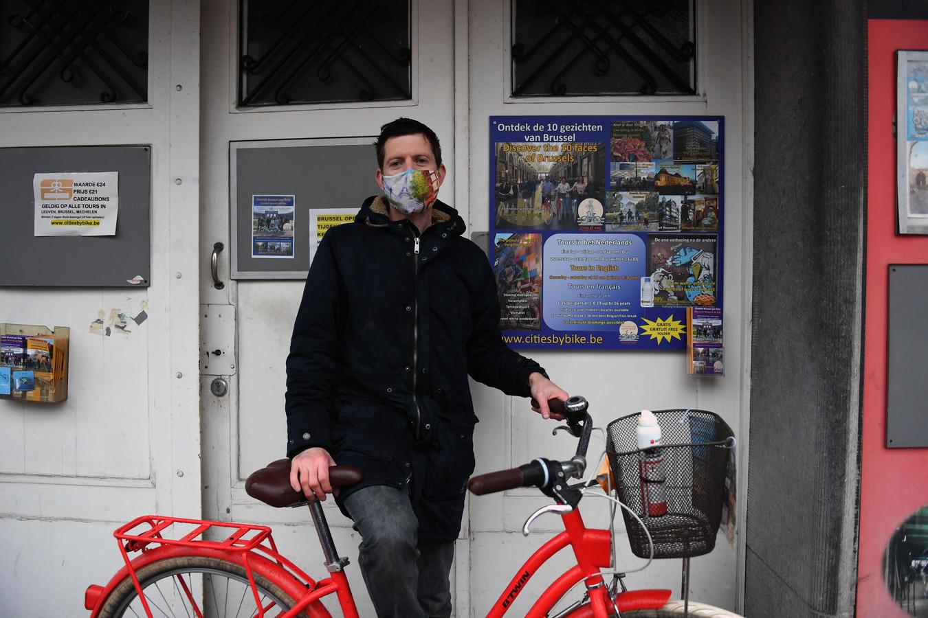 Robin Van Hoovels (38) gidst bij Cities By Bike. Hij diende klacht in tegen de man die hem probeerde te schoppen.