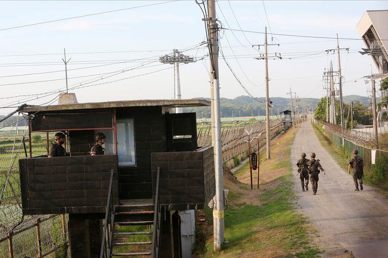 Een deel van de zwaarbewaakte grens tussen Noord- en Zuid-Korea. Beeld AP