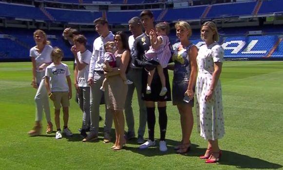 Courtois en familie op het veld