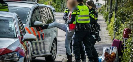 Vrouw schopt tegen politiewagen bij aanhouding in Rheden