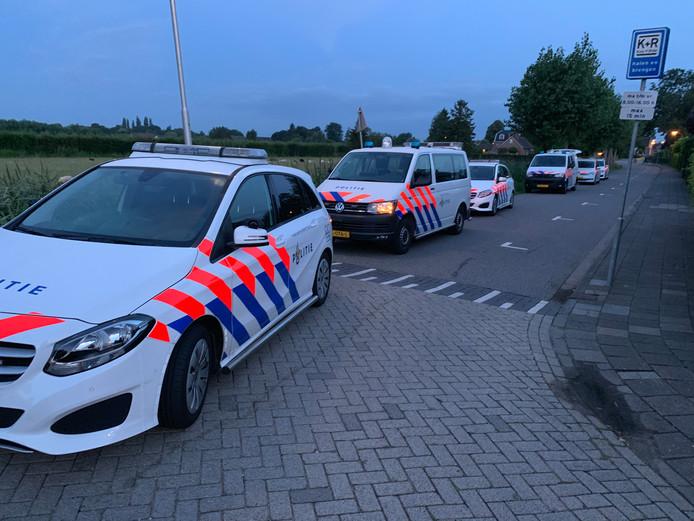 De politie rukte met veel mankracht uit.