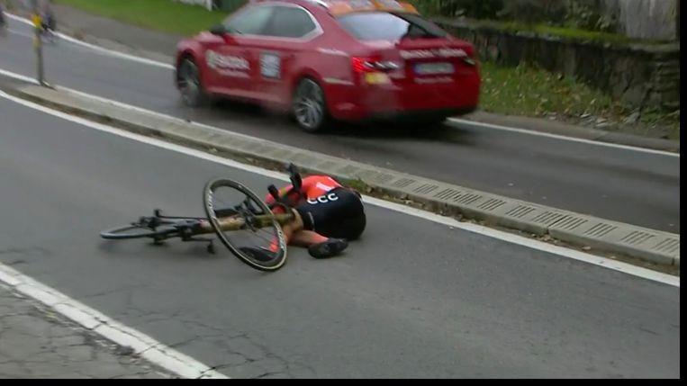 Greg Van Avermaet valt in Luik-Bastenaken-Luik. Beeld Sporza