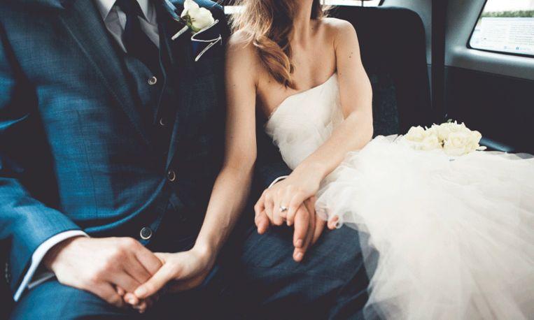 Deze bruid hoorde vlak voor de bruiloft dat ze 45 tumoren heeft