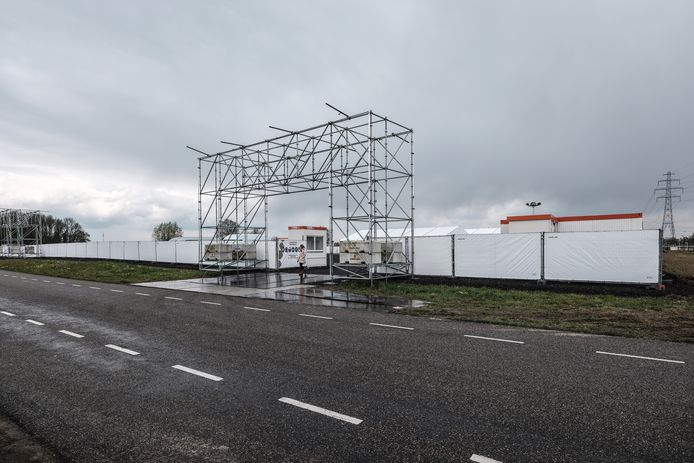 JV 06052021 Wehl Nl / Grote teststraat bedrijventerrein A 18, met aanleg van waterleiding door Mullink uit Gaanderen / Foto : Jan Ruland van den Brink