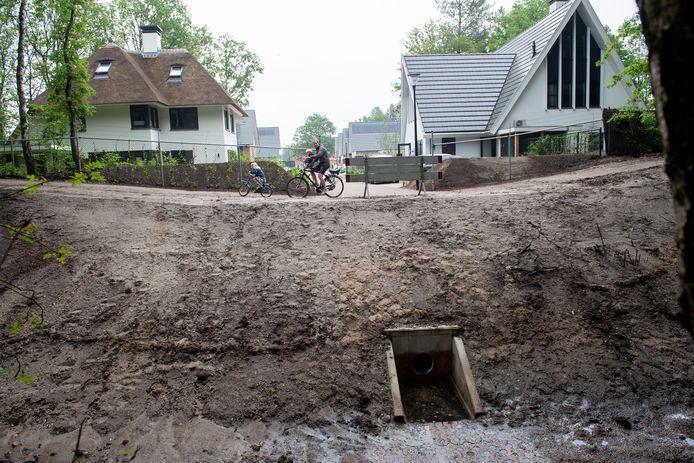 Waar komt het fietspad voor nieuwbouwwijk Ugchelen Buiten? De gemeente Apeldoorn is toch weer terug bij het oorspronkelijke plan uitgekomen.