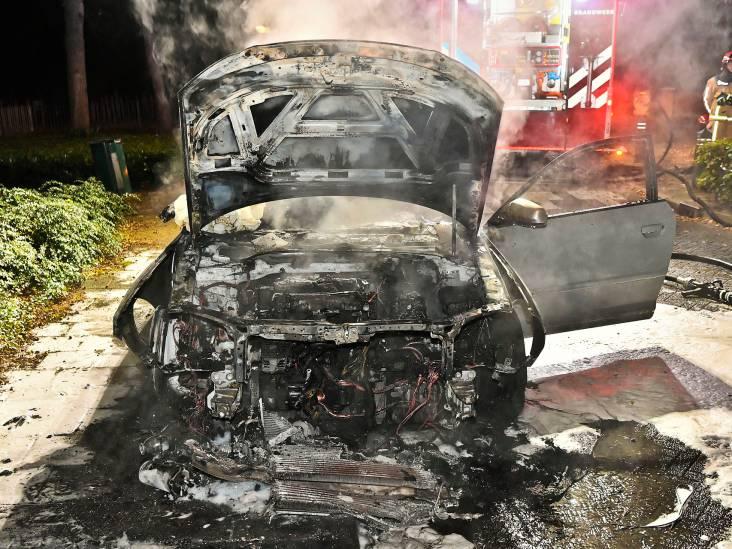 Audi brandt volledig uit in Dommelen