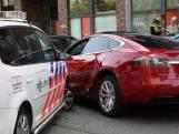 Man rijdt onder invloed in gestolen Tesla door Rotterdam-Zuid