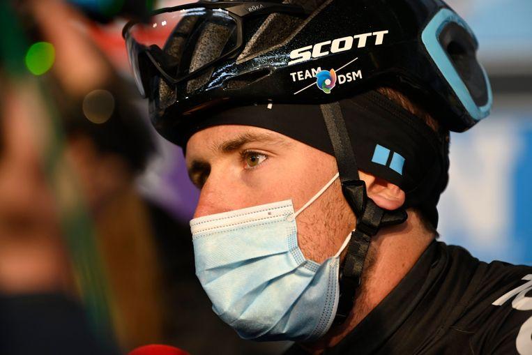 Tiesj Benoot voor de start van de Omloop. Beeld Photo News