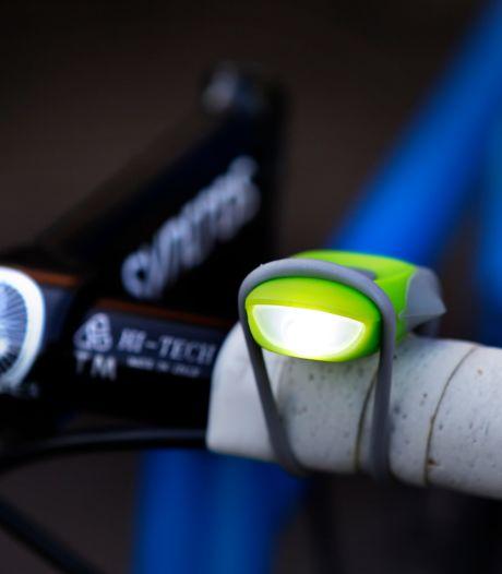Gratis fietslampjes moeten alertheid in verkeer Dongen vergroten