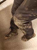 De broek van de agenten bleef niet schoon.