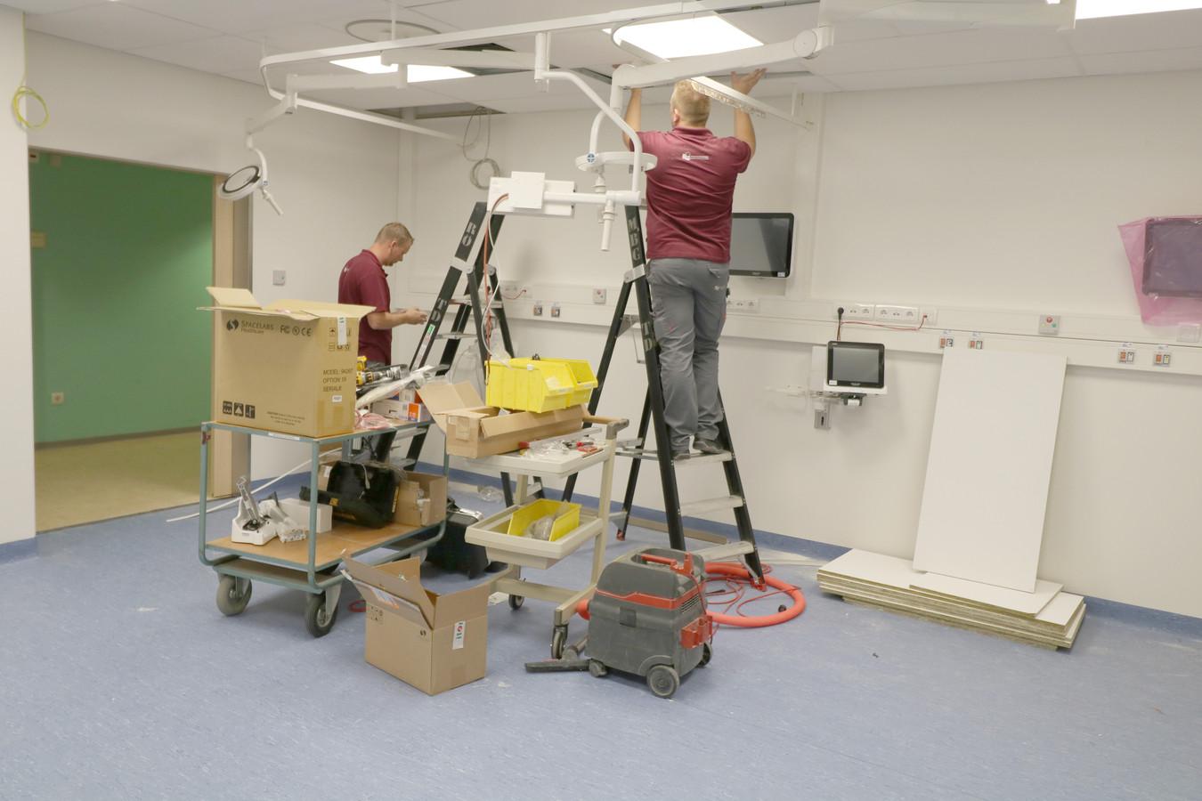 De afdeling spoedeisende hulp van Ziekenhuis Rivierenland beschikt over vier nieuwe behandelkamers.