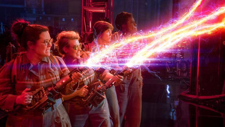 Melissa McCarthy, Kate McKinnon, Kristen Wiig en Leslie Jones vechten met het spook van de hedendaagse vrouwenhaat. Beeld Sony Pictures