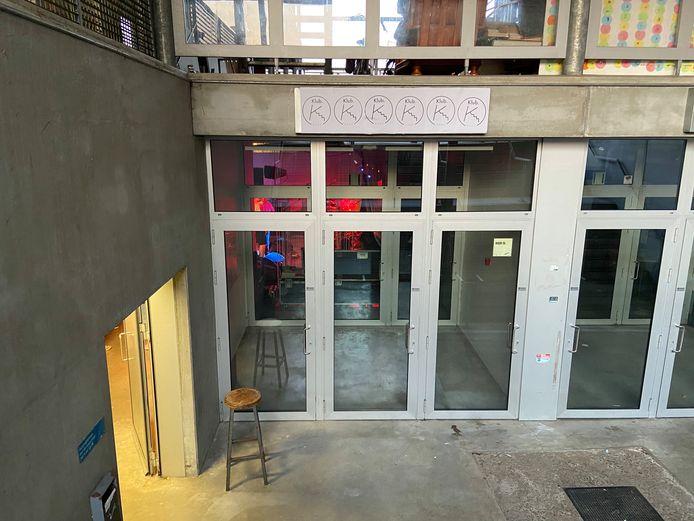 Klub K bevindt zich in het kelderlokaal naast jeugdhuis Malmejo