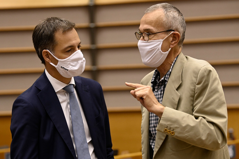 Premier Alexander De Croo en minister van Volksgezondheid Frank Vandenbroucke. Beeld Photo News