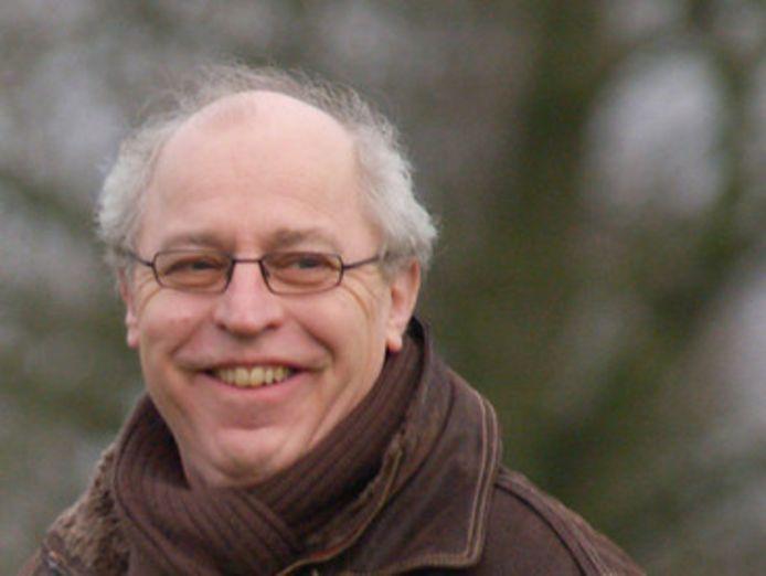 Bekende Ommenaar Theo Katerberg (68) is overleden. In het verleden was hij onder meer voorzitter van OZC, raadslid en wethouder.