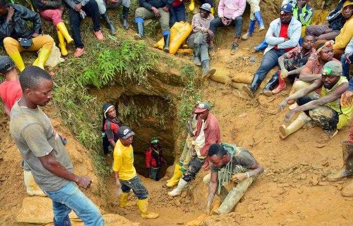 Mijnwerkers aan een goudmijn in Kamituga in Zuid-Kivu, Congo.