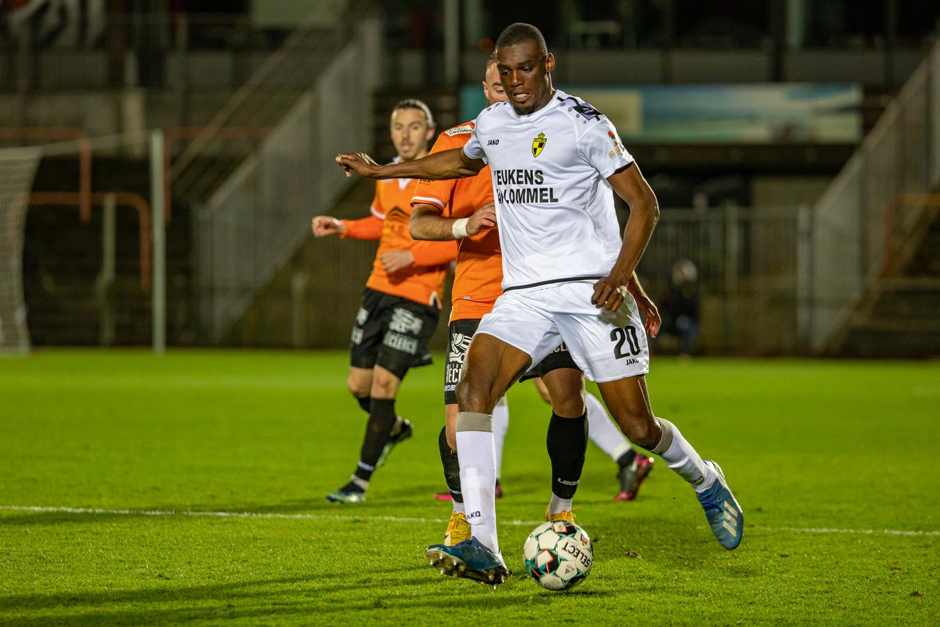 Scott Bitsindou werd opgeroepen voor de nationale ploeg van Congo-Brazzaville. Daardoor mist hij wel de start van de voorbereiding bij Lierse.