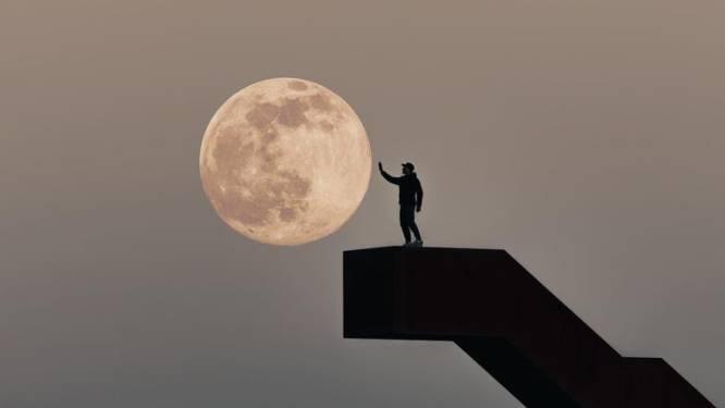 Fotograferen in eigen land levert dit prachtig beeld op aan de Vlooybergtoren