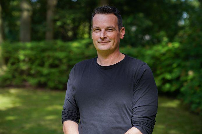 Sinds maandag staat Koen Maes (37) mee aan het hoofd van de Brasschaatse kliniek die hem van zijn verslavingen afhielp
