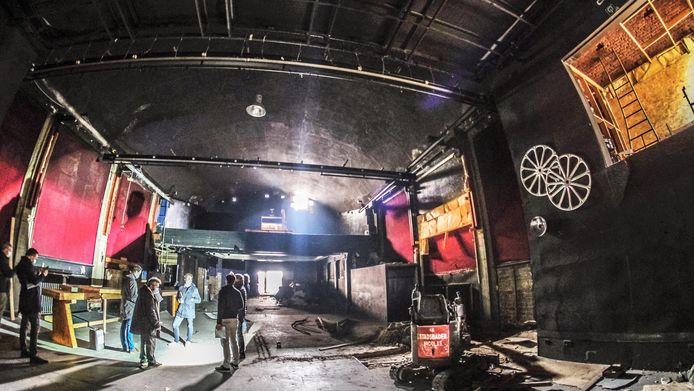Een blik in de oude cinemazaal.