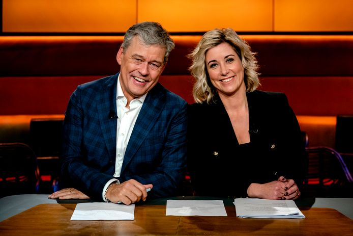 AMSTERDAM - Carrie ten Napel en Charles Groenhuijsen, presentatoren van Op1. Het duo neemt wekelijks de presentatie van de talkshow op NPO1 op woensdag voor hun rekening. ANP KIPPA SANDER KONING