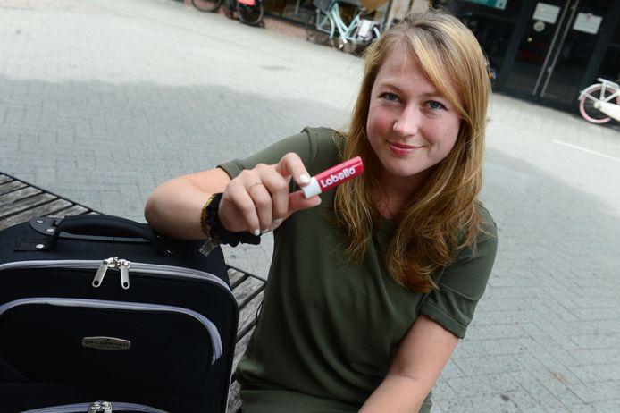 Miriam Groothuis gaat nergens naar toe zonder haar Labello-stick.