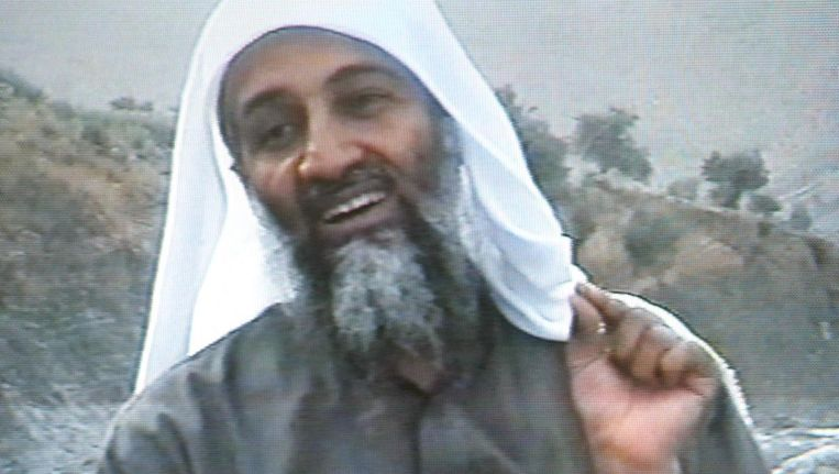 Osama bin Laden in een video uit 2002 Beeld MBC