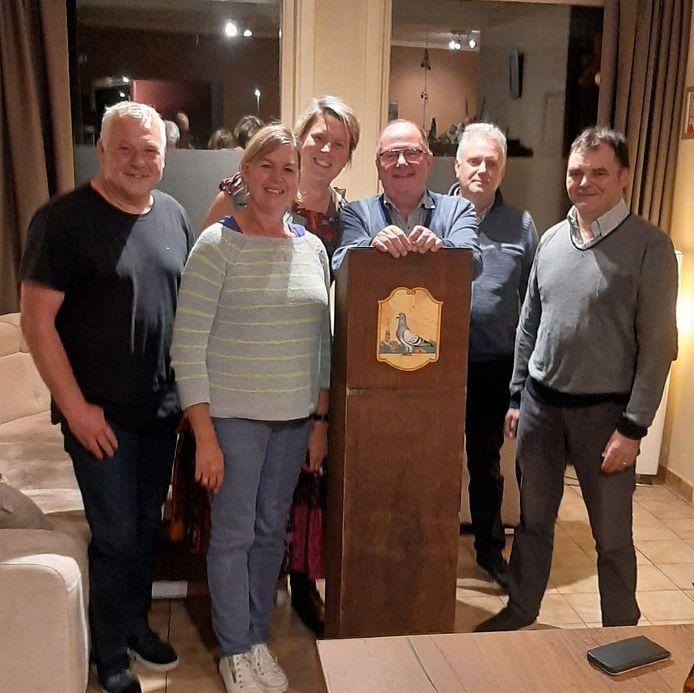 Terra Porcorum herneemt straks het moorddiner 'Barcelona'.  We zien Patrick Heyte (schrijver en coach), Ann Verhulst, Nele Cool, Ferry Willaert, Frederik Vanbesien en Rudi Vanden Borre