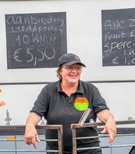 Tonneke uit Tilburg doet boekje over politie open bij Pauw: 'Ze hadden een foutje gemaakt'