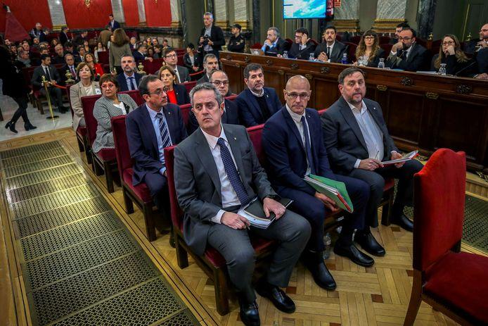 Archiefbeeld. De Catalaanse separistische leiders tijdens hun proces in het Hooggerechtshof in Madrid, in februari 2019. De Spaanse regering kondigde dinsdag aan dat de negen gratie verleend worden.