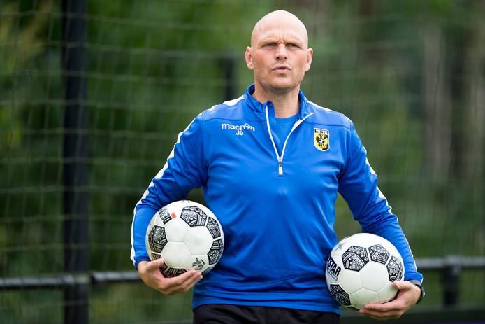 Joseph Oosting, trainer Jong Vitesse