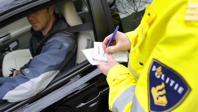Drie Keer Zonder Rijbewijs Gepakt Auto Kwijt Westland Adnl