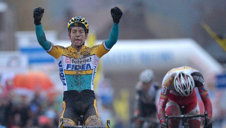 Tom Meeusen wint voor het eerst de crossklassieker in Overijse, Klaas Vantornout zag in de sprint slechts zijn achterwiel. Beeld BELGA