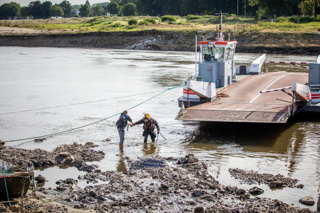 Vandaag vond er opnieuw een inspectie plaats aan het veerpont in Meeswijk.