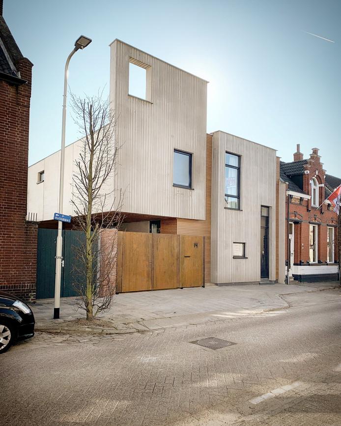 Dit huis in de Roosendaalse Damstraat dingt mee naar een internationale architectenprijs.