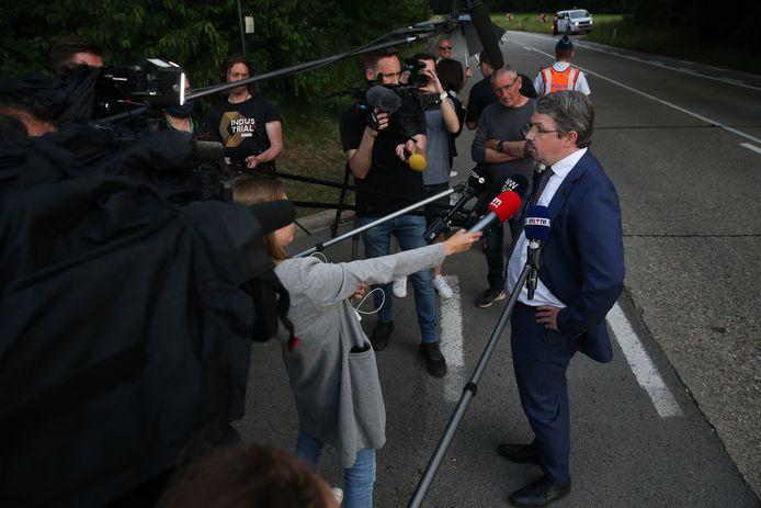 Procureur van het federaal parket Frederic Van Leeuw zakte gisteren naar het Dilserbos af en stond de verzamelde pers te woord.